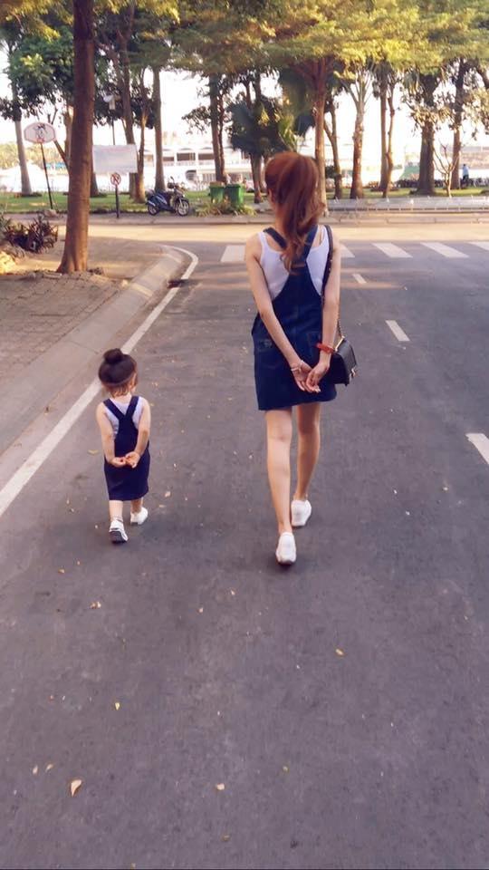 Xu hướng couple cho mẹ và bé gái