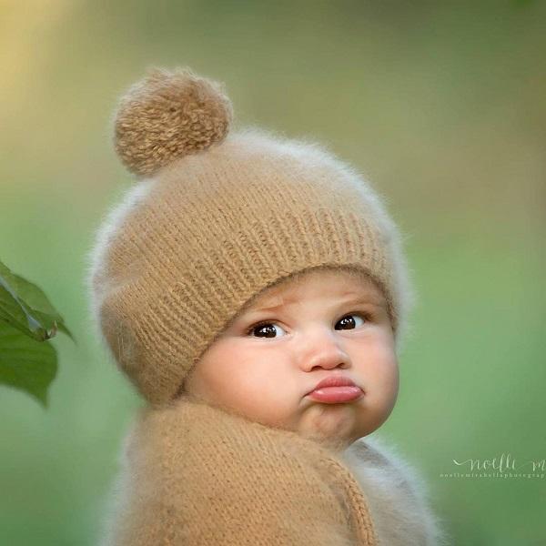 Khi bé sơ sinh chụp hình nghệ thuật