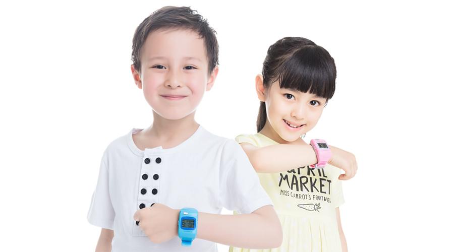 những lưu ý khi mua đồng hồ thời trang cho bé trai