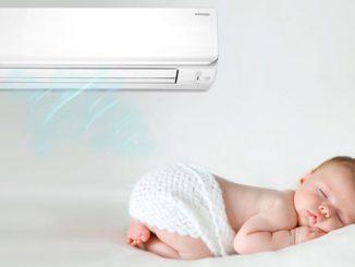 Trẻ sơ sinh nên nằm máy lạnh hay quạt máy?